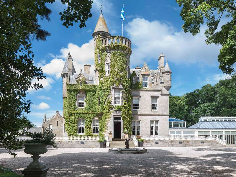 Castles Weddings Venues And Packages For In The Uk Scotland England Wales Ireland France