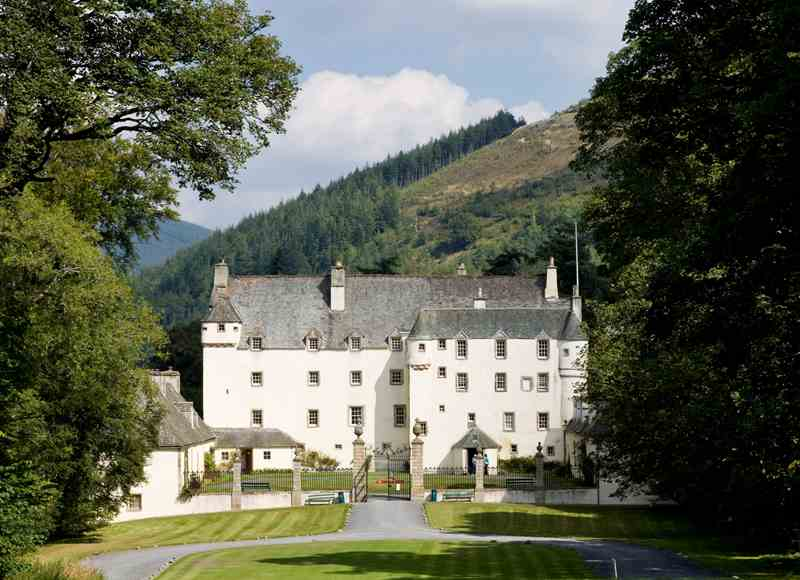Castle Breaks Close to Edinburgh - Traquair Castle