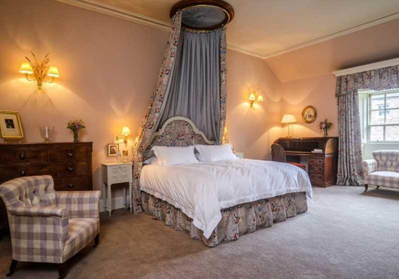 The MacGregor Room 1
