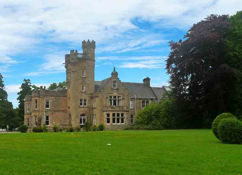 Best Value Christmas Getaways - Mansfield Castle