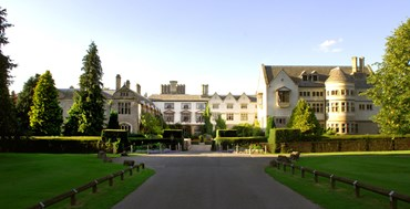 Midlands Abbey - Advance Purchase Bed and Breakfast