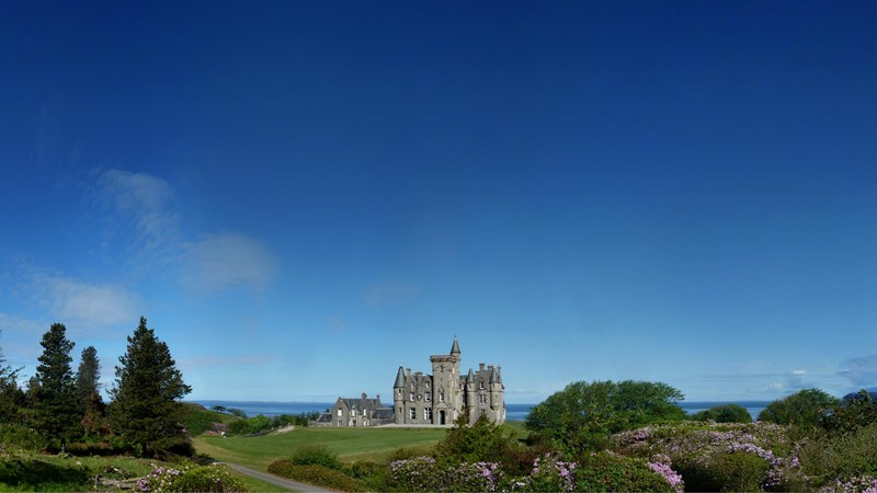 When should I book my Scottish Castle Stay?