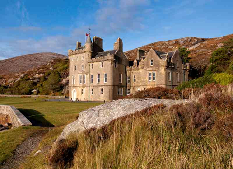Castle Breaks by the Coast - Amhuinnsuidhe Castle