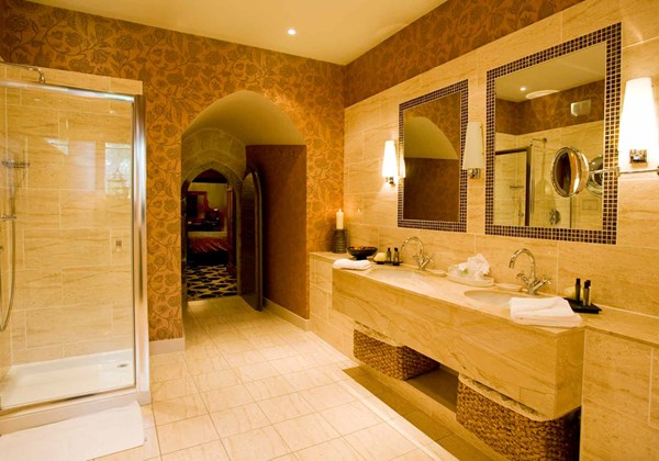 Radcliffe Feature Bedroom