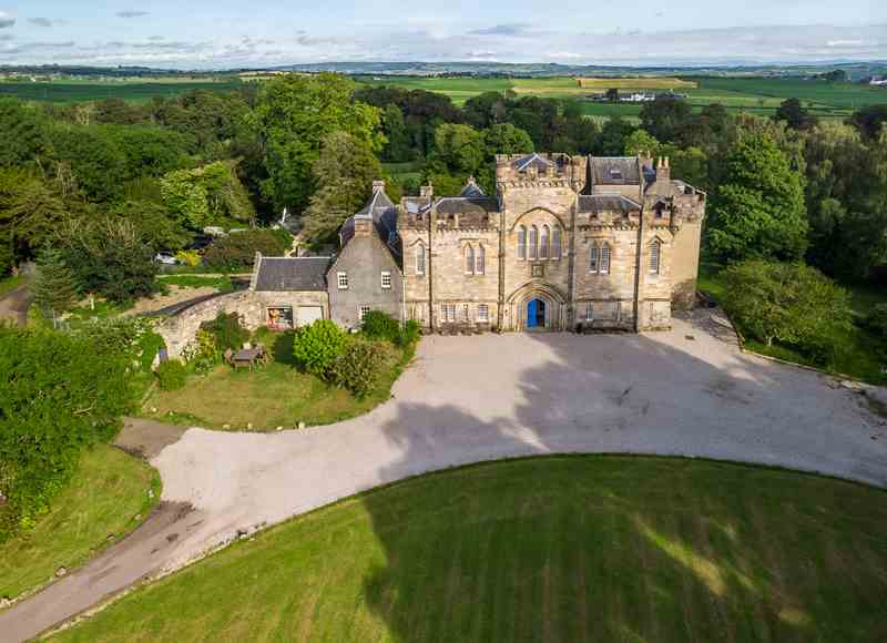 Castles To Rent For Small Groups - Craufurdland Castle
