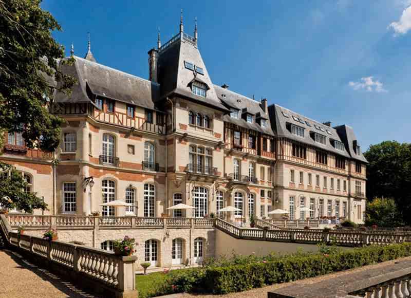 Castle Spa Breaks - Château de Montvillargenne