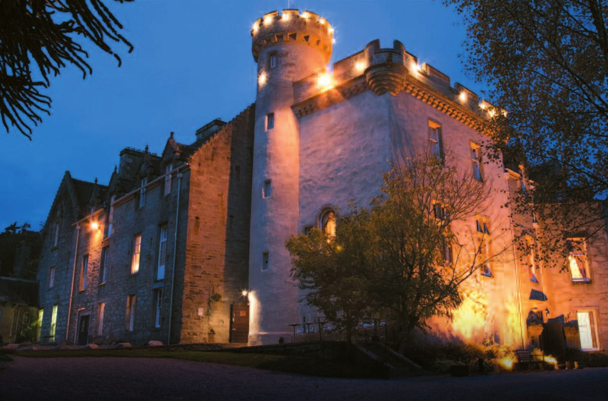 castle breaks in the scottish highlands