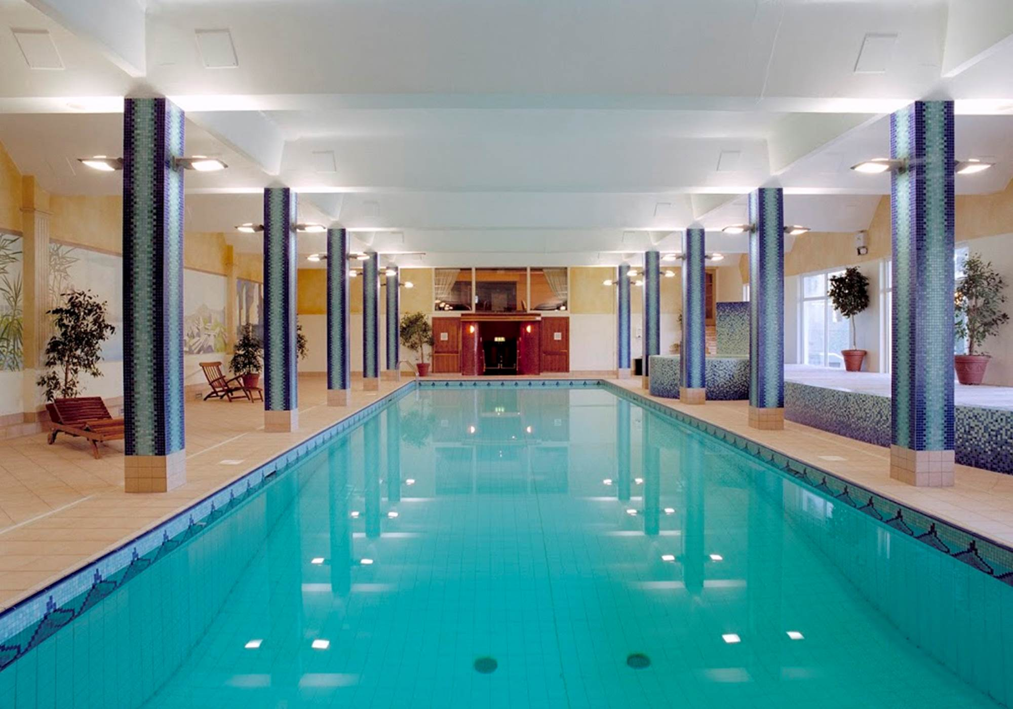 Top castles with swimming pools - Hotels with swimming pools in galway ...