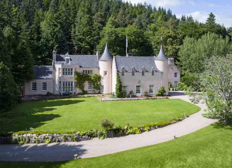 Luxury Castle Hire - Candacraig