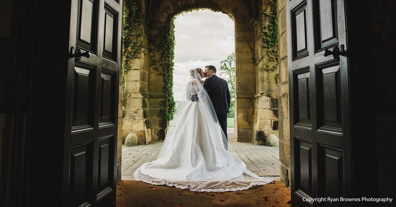How to Choose a Castle Wedding Photographer (3 Key Areas)