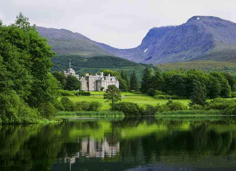 5-Star Castle Breaks - Inverlochy Castle