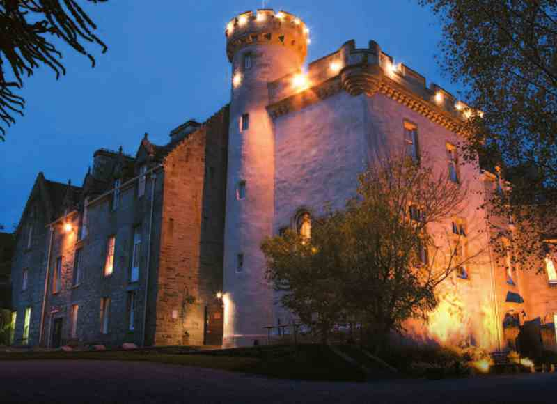 Castle Breaks in the Scottish Highlands - Tulloch Castle