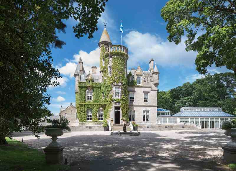 Christmas Castle Breaks Close to Edinburgh - Carlowrie Castle