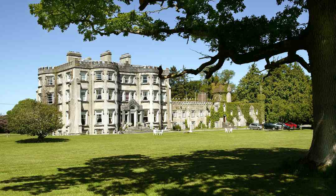 Tralee Travel guide at Wikivoyage